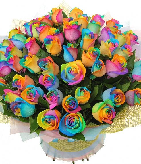 Букет из роз радужных